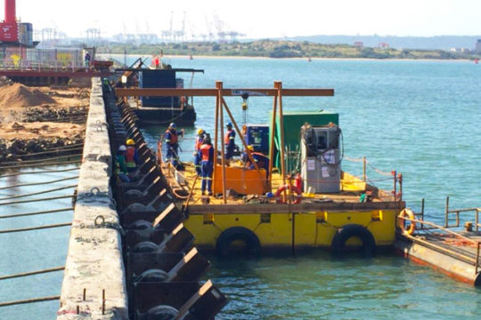 RCE Railway & Civil Engineering Projects Reconstruction of Maydon Wharf Berths 3